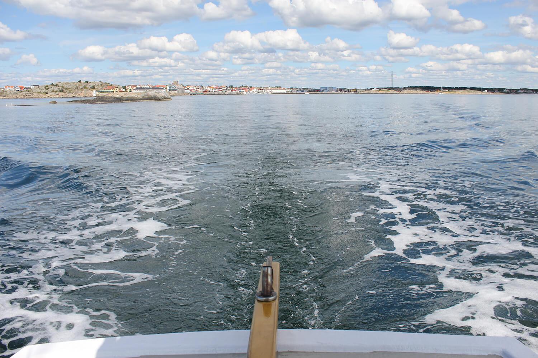 We leave Klåva harbor behind