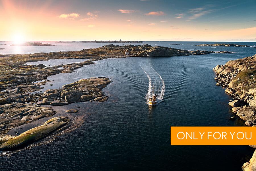 Rent Kastor for an exclusive day in the beautiful Gothenburg archipelago. We design a custom tour from your vision.