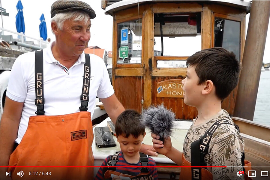 Watch the whole fishing trip on Edwins own YouTube channel. The interview is in Swedish.