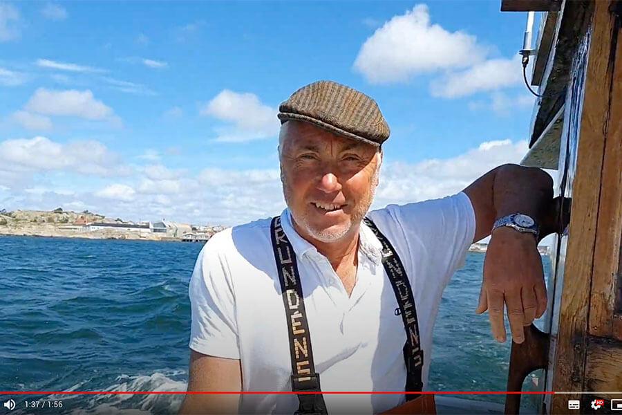 Tove Henckel, chefredaktör på tidningen Gourmet, besökte oss en dag i Juli för att prova på vårt krabbpaket.